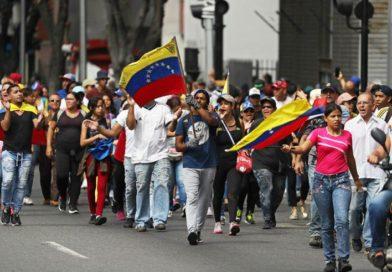 Masovan prosvjed u Venezueli, Trump priznaje šefa oporbe kao predsjednika
