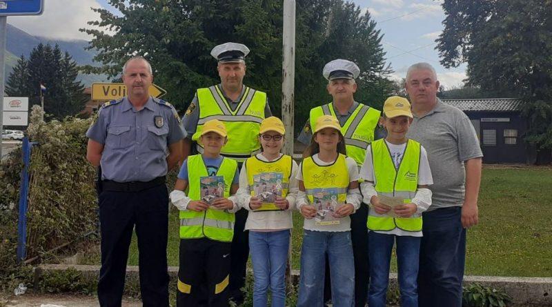 Prometno-preventivna akcija u Gornjem Vakufu – Uskoplju: 'Počela je školska godina'